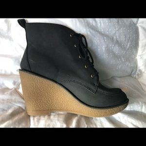 Old navy black microsuede wedge booties